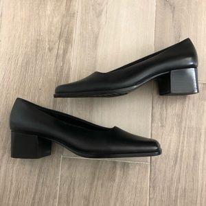 Aerosoles  Sz 6M  Black Leather Heels Pumps Shoes